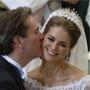 欧洲最美公主玛德琳结婚 与丈夫幸福拥吻