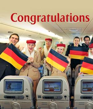 美女空乘颁奖 阿联酋航空世界杯豪掷千金